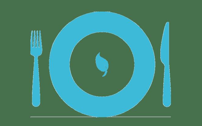 Teller mit Salatblatt zur Illustration des Vorurteils über den Veganismus, dass man nur noch Salat essen kann