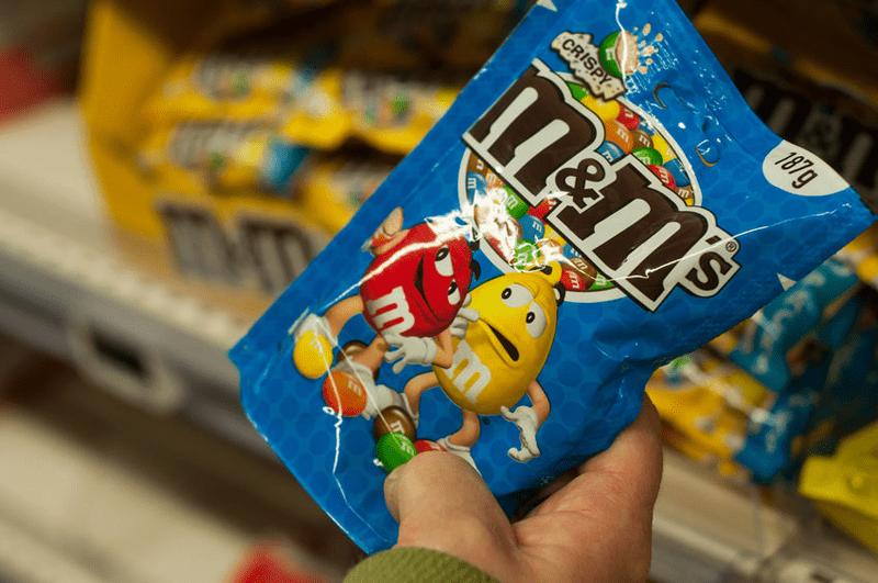 Versteckte Tierprodukte im Süßwarenregal